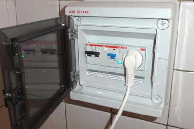 Есть ли электричество, если машина не включается?