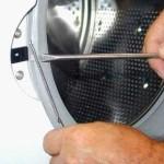 Почему не закрывается дверца стиральной машины?