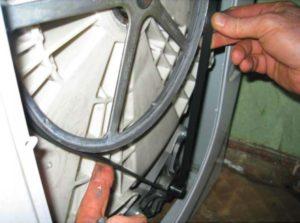 Слабое крепление шкива барабана стиральной машины