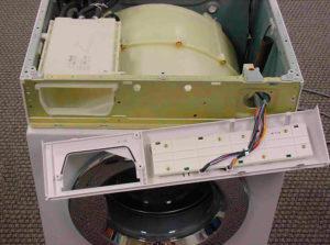 Нимаем панель управления стиральной машины