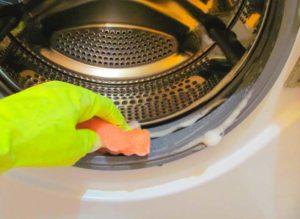 Чистка уплотнительной резины в стиральной машинке