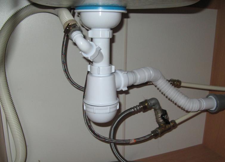 Подключение стиральной машины к канализации через сифон