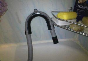 Слив стиралки в ванную