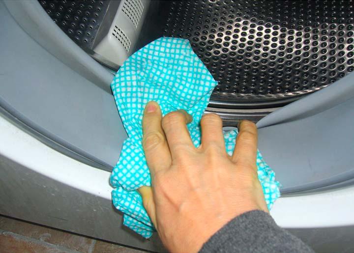 Протирка стиральной машины после стирки