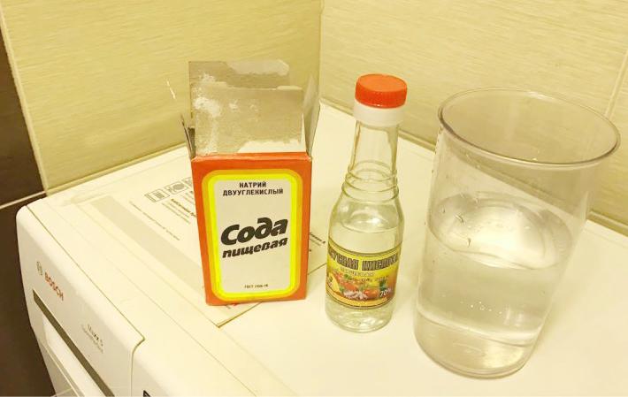 Очищаем накипь содой с уксусом