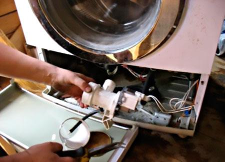 Извлечение помпы стиральной машины