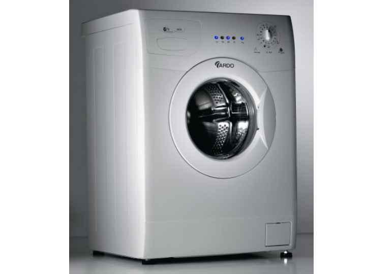 производитель заверяет о том, что стиральные машины рассчитаны на десять тысяч часов стирки