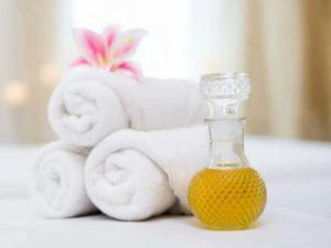 Натрите хозяйственное мыло и приготовьте из него мыльный раствор